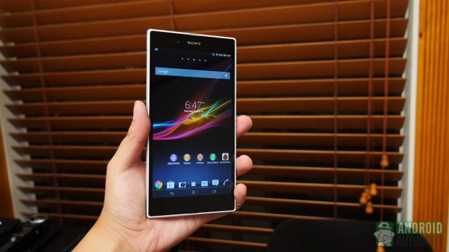 sony-xperia-z-ultra-aa-design-in-hand1-645x362