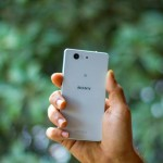sony xperia z3 compact in hand