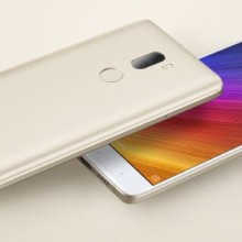 Xiaomi Mi5s Plus front and back